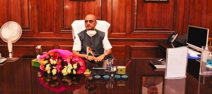 Dr Bhagwat Kishanrao Karad takes charge as Minister of State in the Ministry of Finance